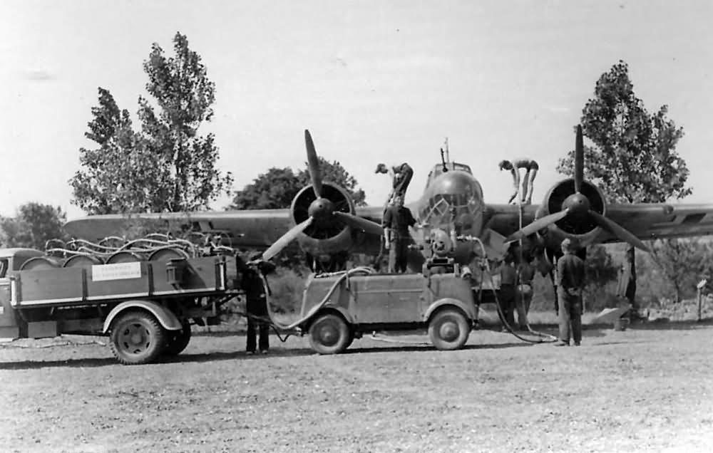 Dornier Do17 P refueling