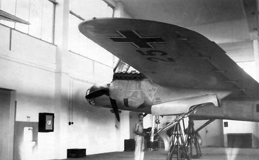 Dornier Do 17 E in hangar