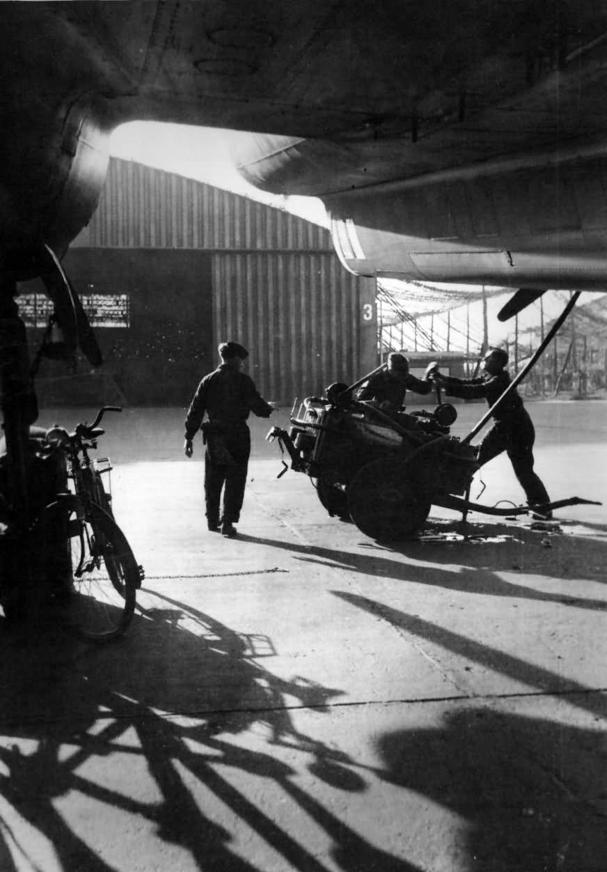 Fw200 maintenance of the plane before take off