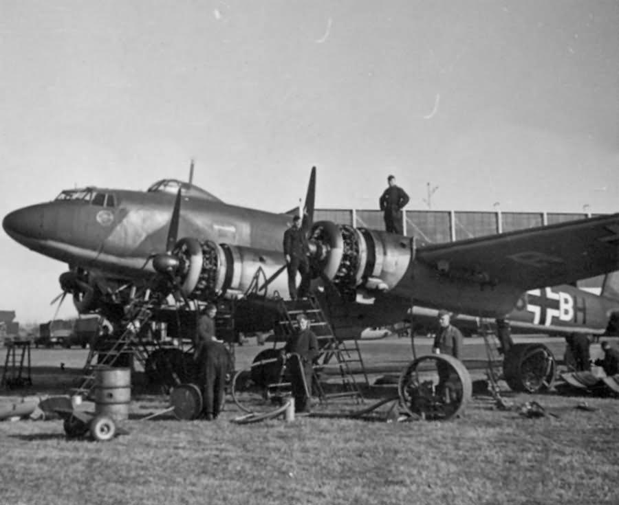 Focke-Wulf Fw 200 C-1 F8+BH of the KG40