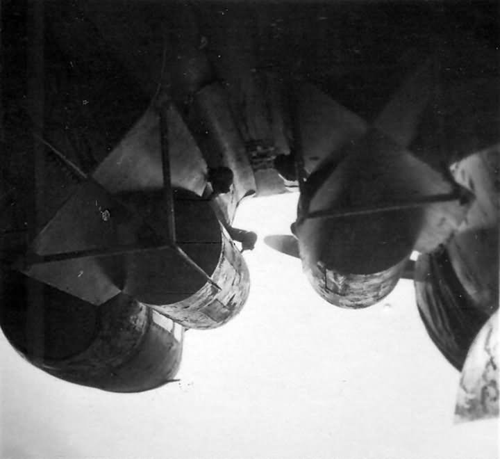 bombs mounted under Fw200