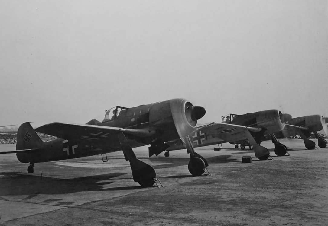Fw 190A-0 fighters