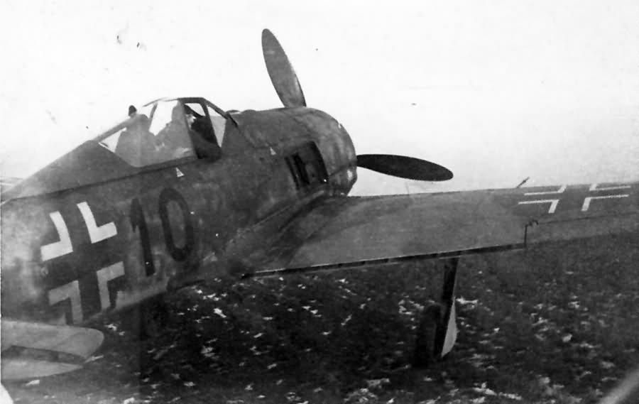 Fw 190 A black 10 3/JGr West Landes de Bussac 1944
