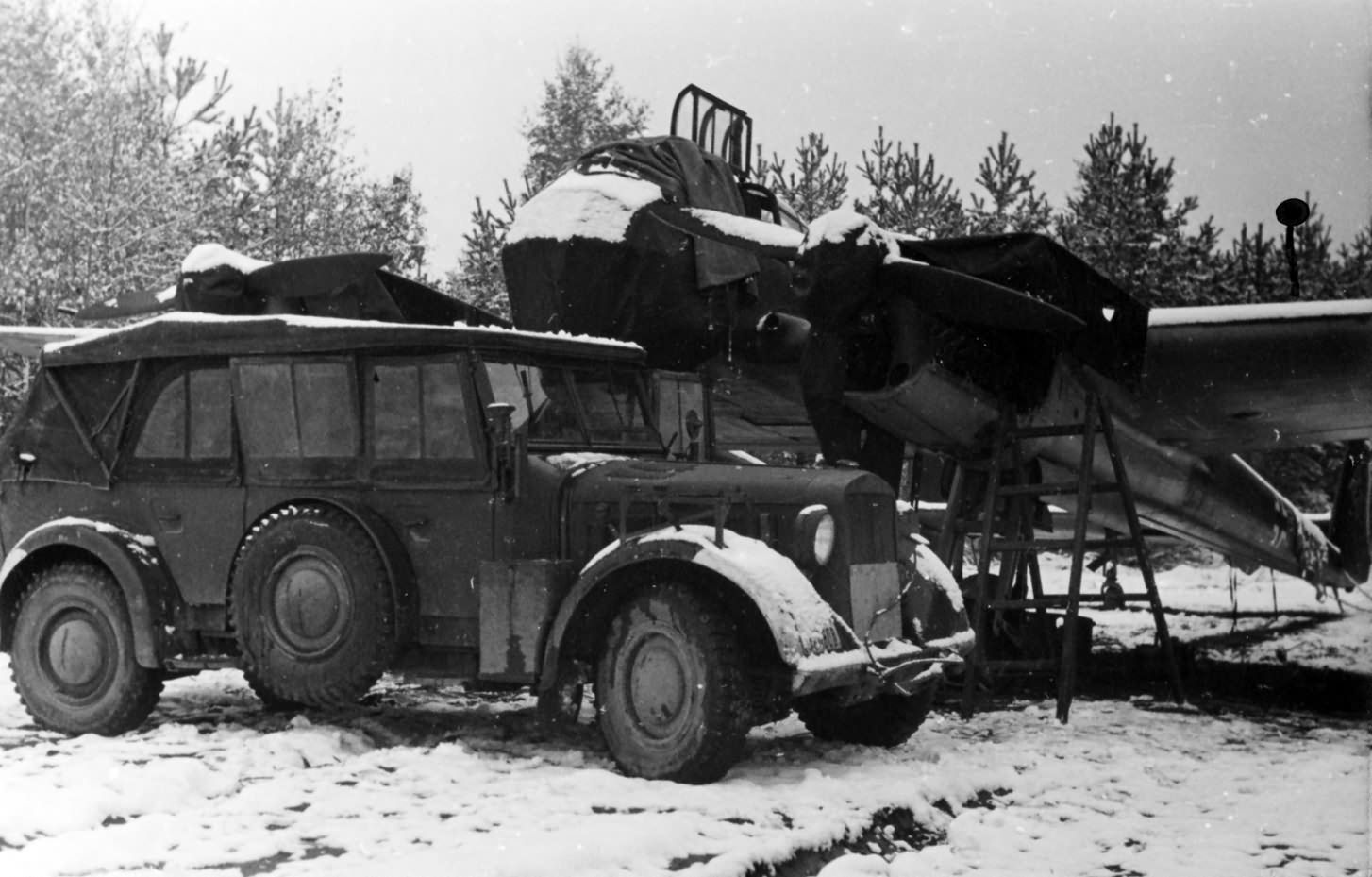 Fw 189 Uhu and Horch 901