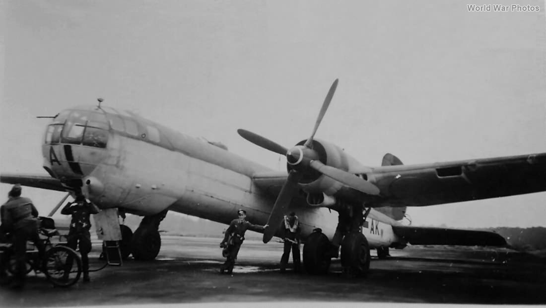 He 177 A-3 V4-AK of the KG 1 at Brandis
