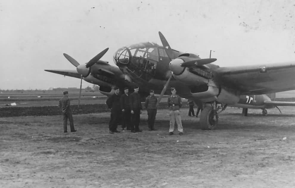 He111_P_2F-LL_of_3.KG_28_1939-40.jpg