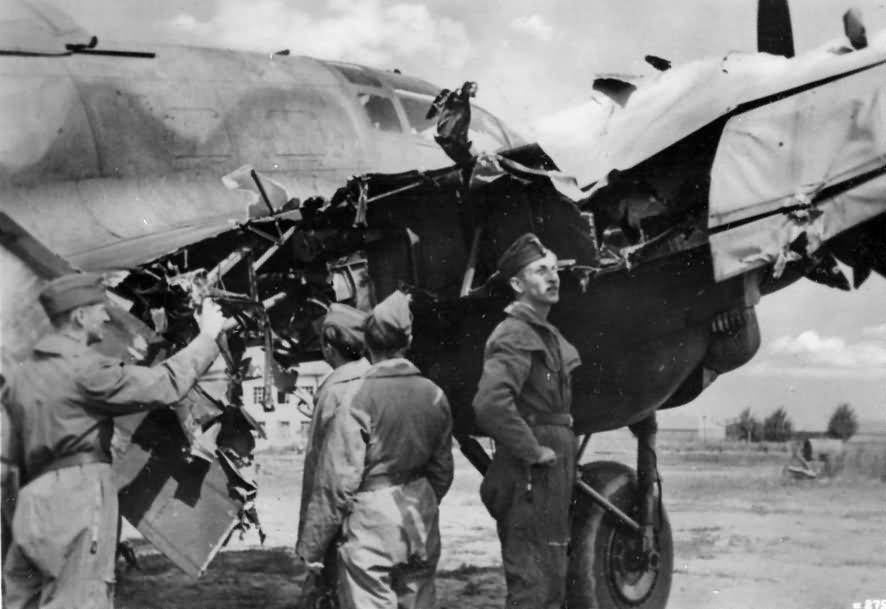 Heinkel_He_111_damaged.jpg