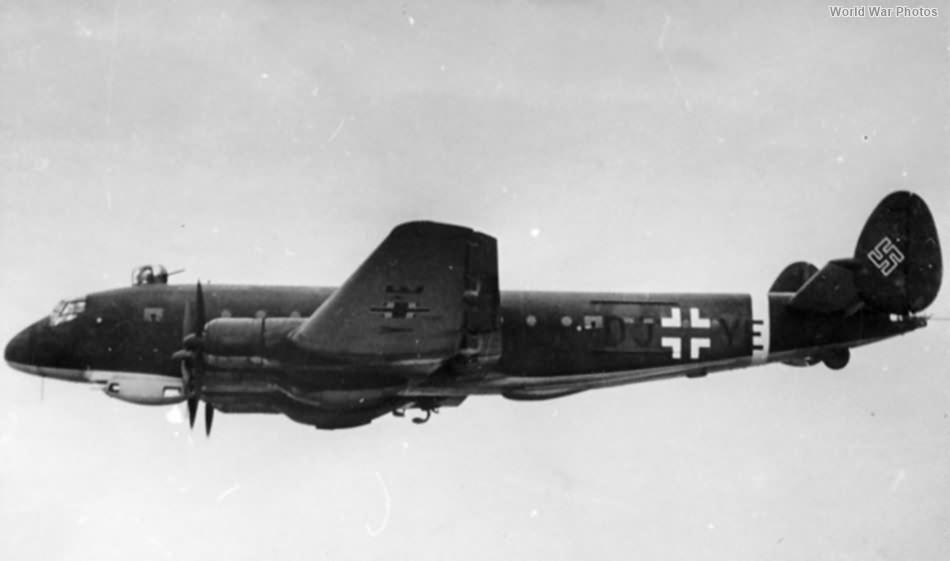 Ju 90 V8 W.Nr. 4920 DJ+YE in flight