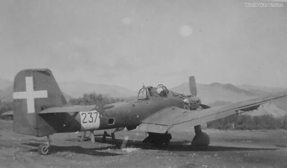 Italian Ju87 237
