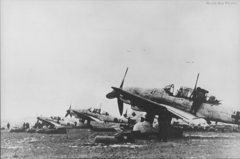 Ju87 1944