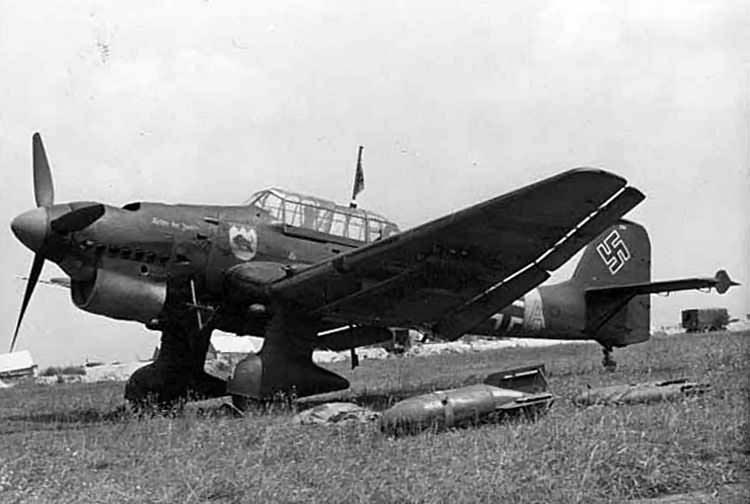 Junkers_Ju_87_B-1_of_6-StG_77_named_Anto