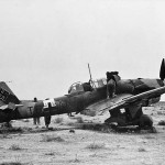 British troops inspect a Junkers Ju 87R-2 Stuka, code T6+AN, which made an emergency landing in the desert December 1941