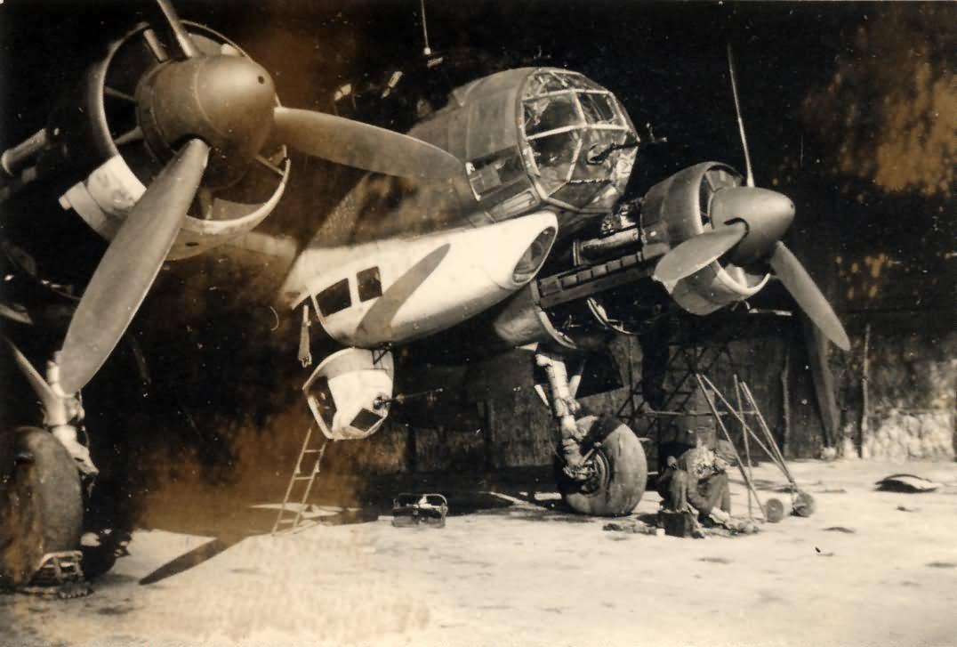 Ju88 bomber Creil France 1941