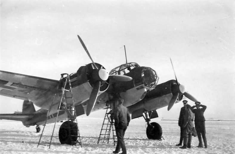 Ground crews check their Ju 88 A-0/A-1, Winter 1939