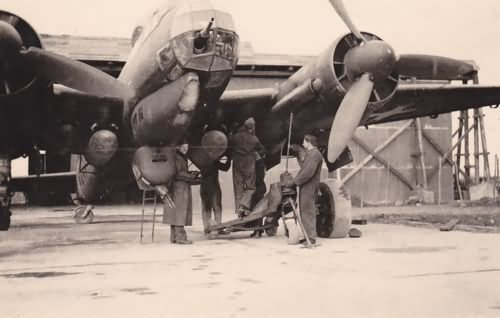 Luftwaffe mechanics servicing a Junkers Ju88 6