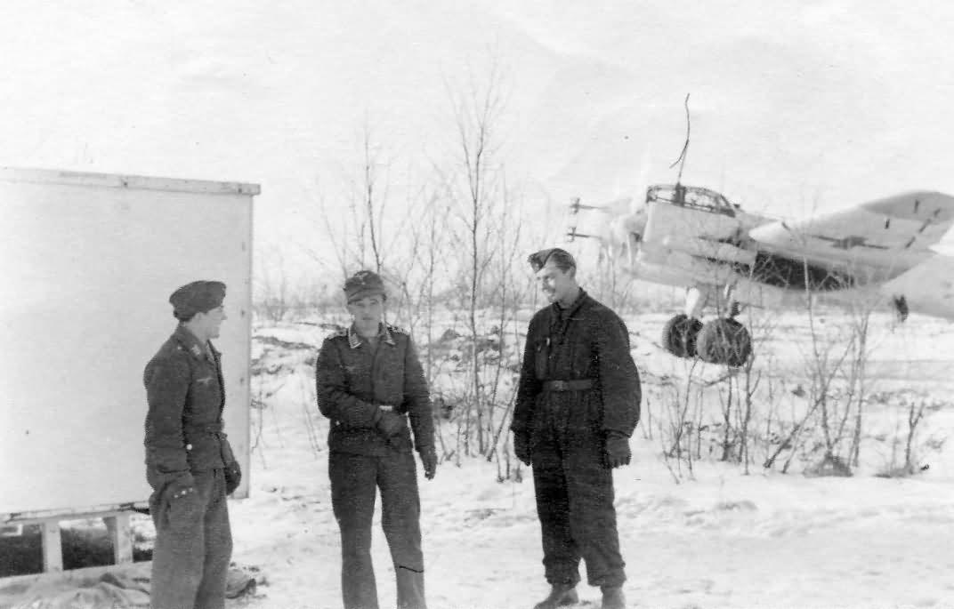 Junkers Ju88 Nachtjager with Radar FuG 202 Lichtenstein winter