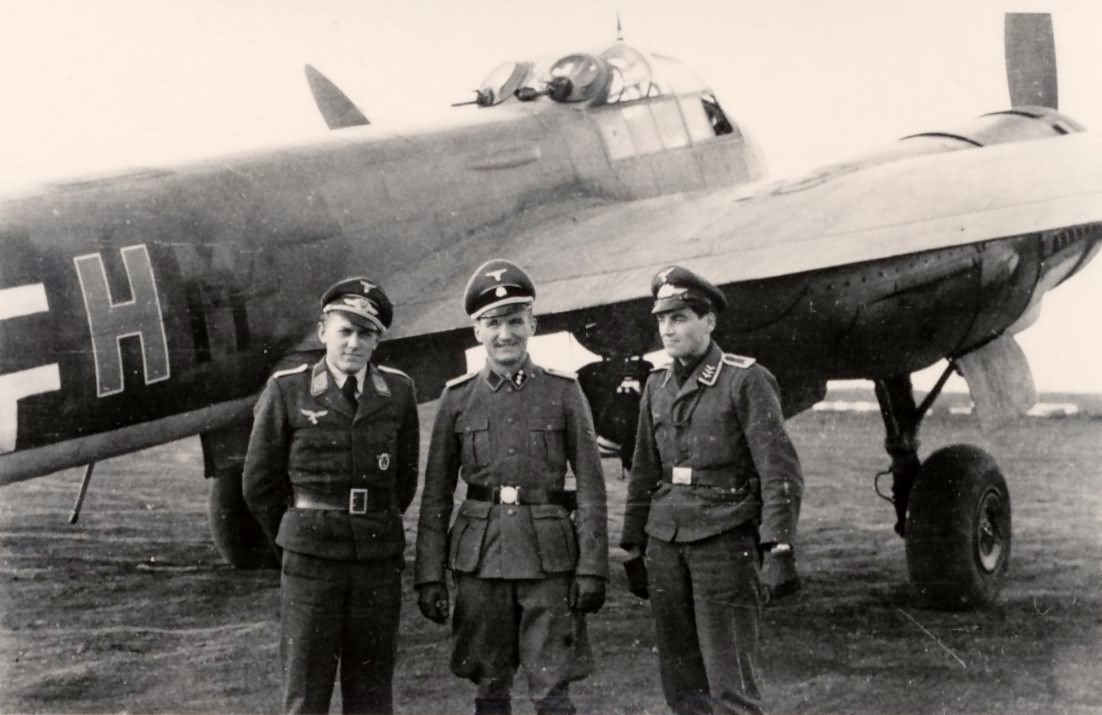 Junkers Ju88 photo with luftwaffe pilots