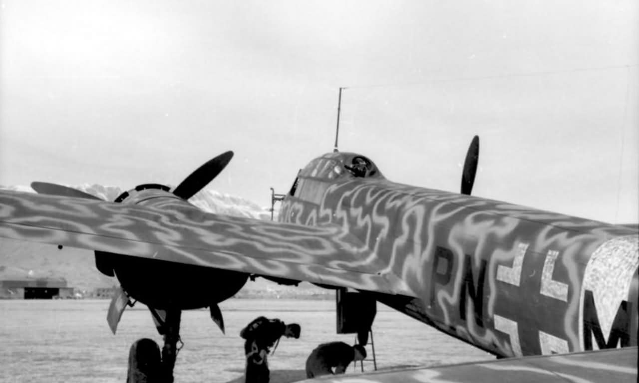 Junkers Ju 88 in wellenmuster camouflage Italy