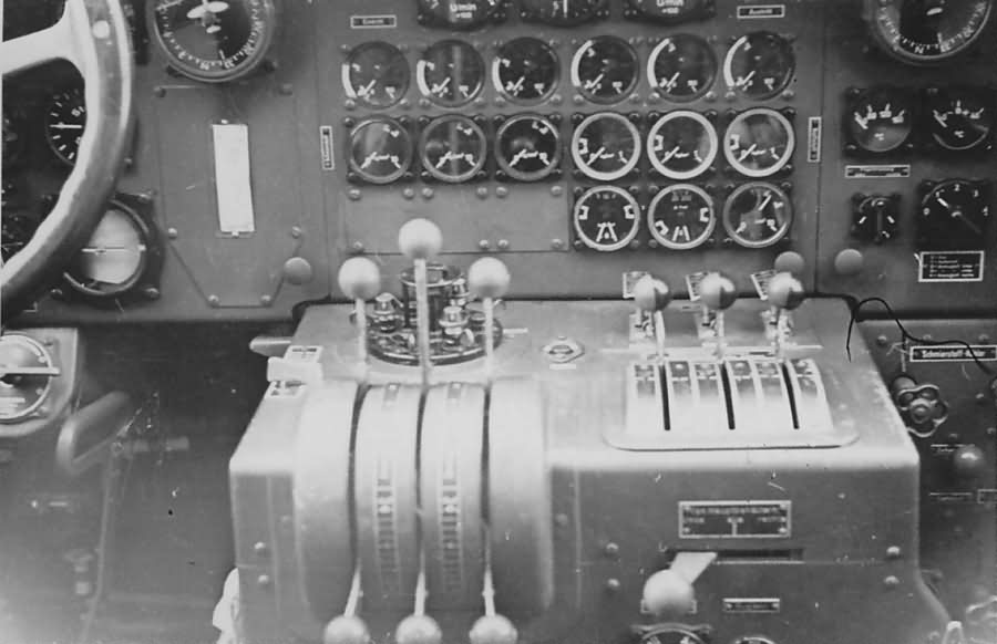 Junkers Ju 52 cockpit