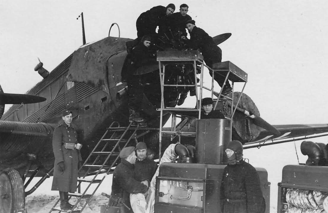 Pre-warming of the engines of Junkers Ju 52 in winter