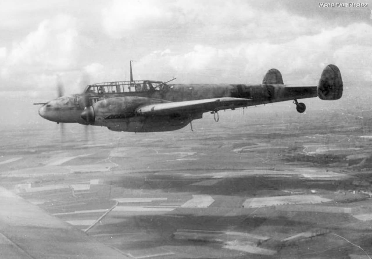Me 110 of the NJG 4 in flight 1943