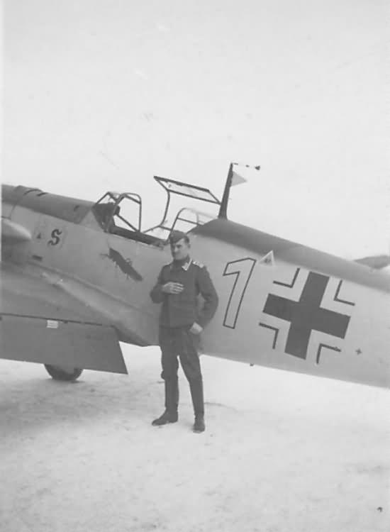 Bf109E white 1 1.JG 26 Dortmund 1940
