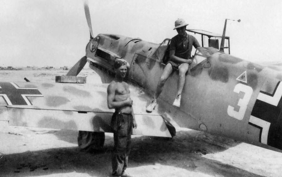 Bf109E white 3 of the JG27. North Africa