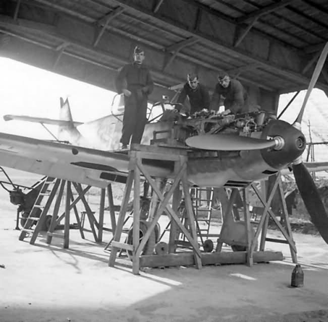 Bf109E white 9 1.JG 26 Dusseldorf 1940 2
