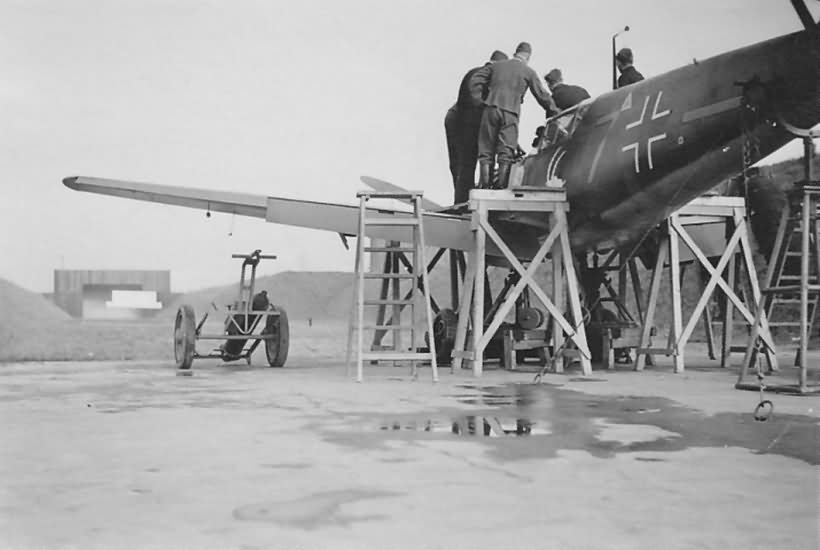 Bf109E yellow 7 6.JG 26 gun test Dortmund 1940