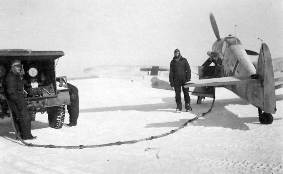Bf109 F-2 of the Stab I/JG51, pilot Wiilli Hachfeld 1942