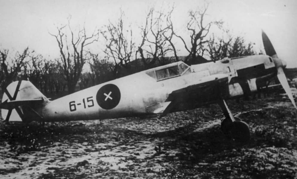 Captured Me 109B-1 code 6-15, pilot: Ofw Polenz