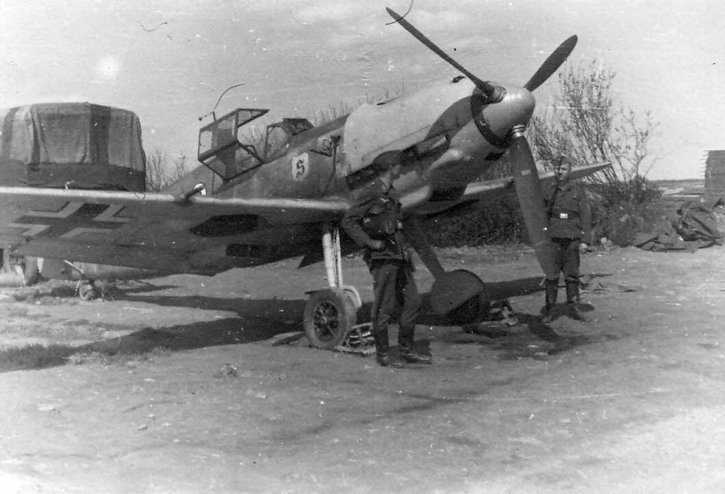 Yellow-nosed Messerschmitt Me 109 E of the JG26