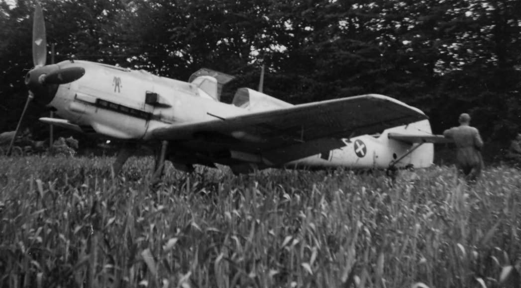 Me109 of the LG 2 on the ground 1940