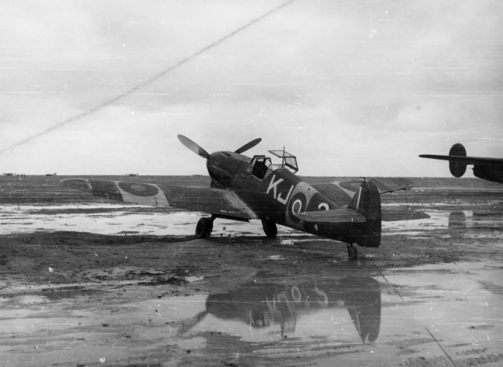 Captured Me109 KJ-? of the 4 Squadron SAAF