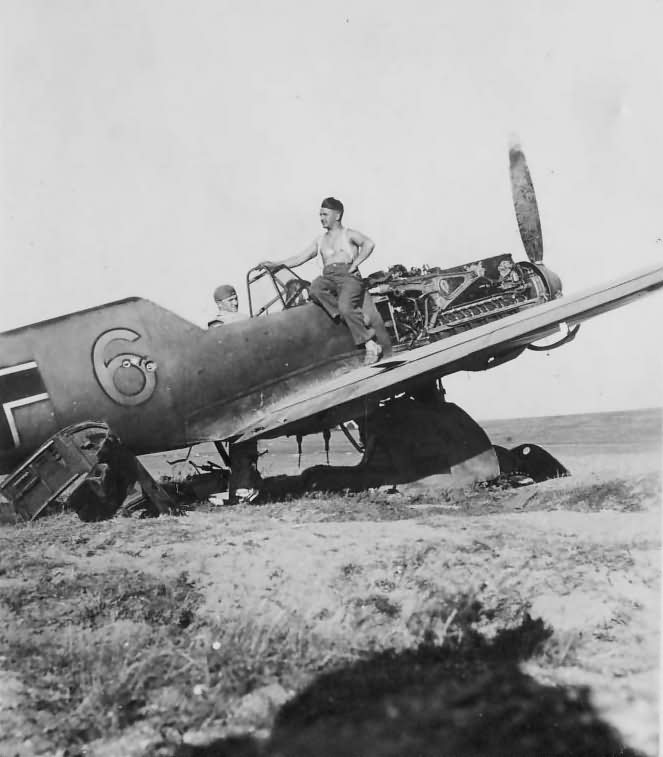 Messerschmitt Bf109E yellow 6