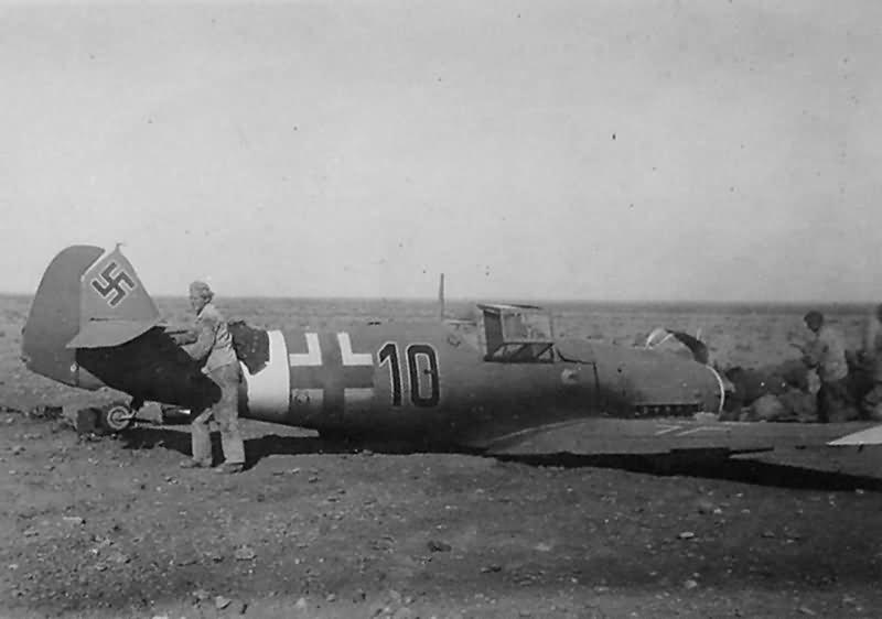 Messerschmitt Bf109F Afrika korps black 10