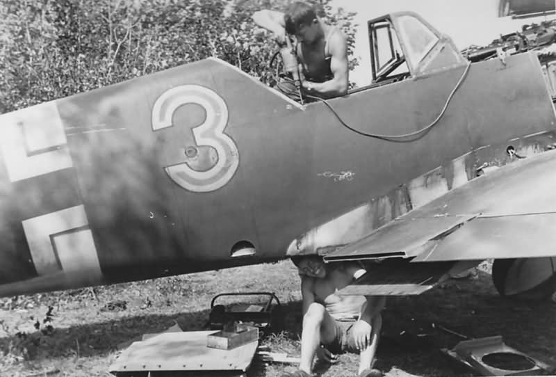 "Messerschmitt Bf 109 F ""red 3"" 2/JG 54 1941 Russia"