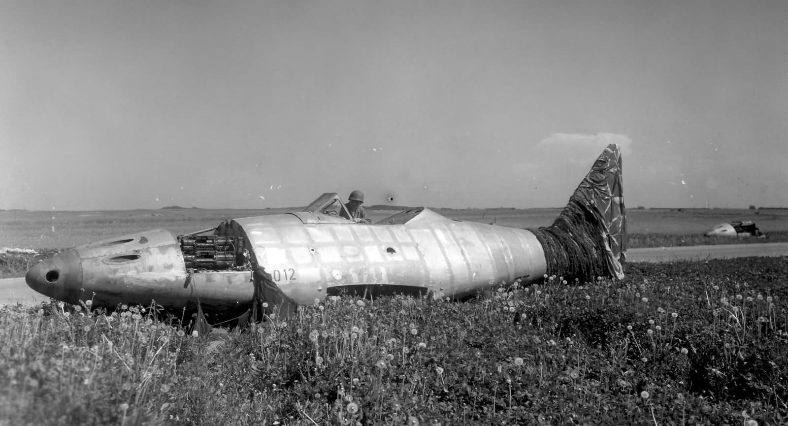 Me262 jet fighter found by the 14th Armored Division