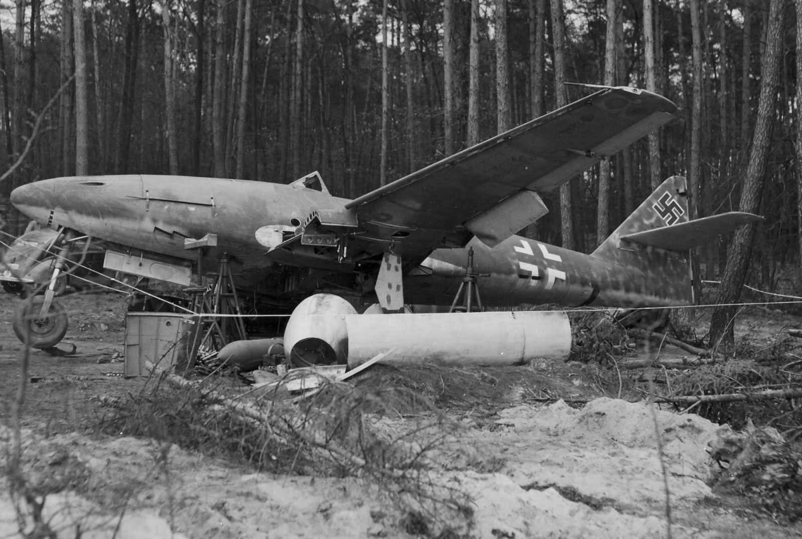 Jet fighter Me262 Schwalbe W.Nr. 170312 Germany 1945