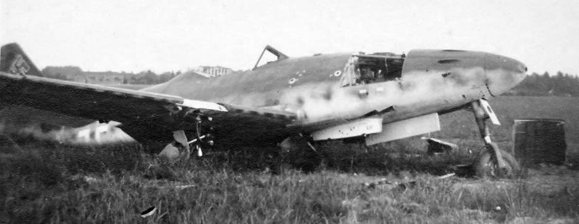 Messerschmitt Me 262 wreck 2