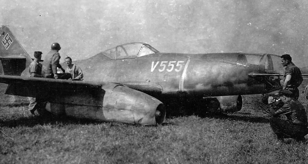 Me 262 A-2a V555 W.Nr. 110555 Weimar-Nohra airfield