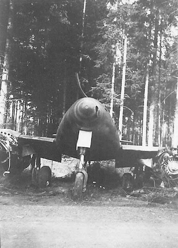 abadoned Me 262 fighter