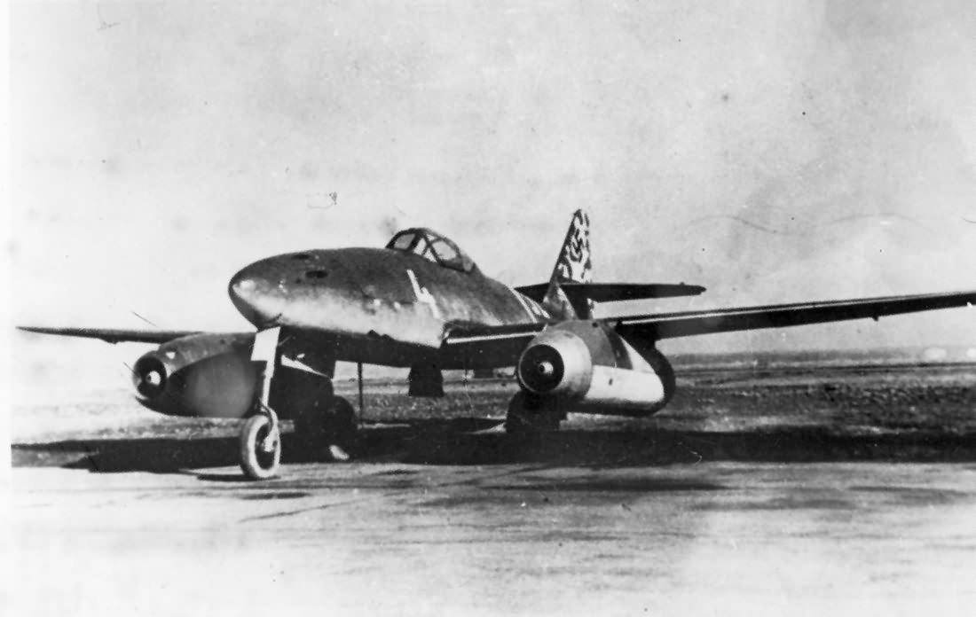 "Me 262 A-1a white ""4"" of the Kommando Nowotny 2"