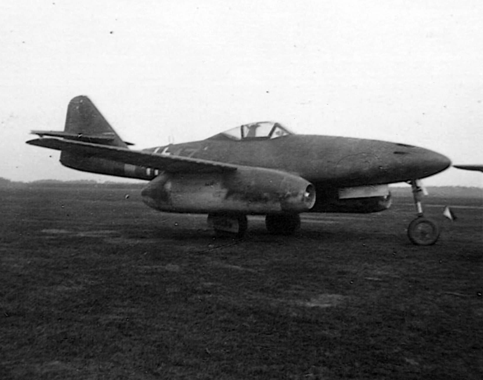 Captured German fighter jet Me 262 yellow 17 of I/JG 7
