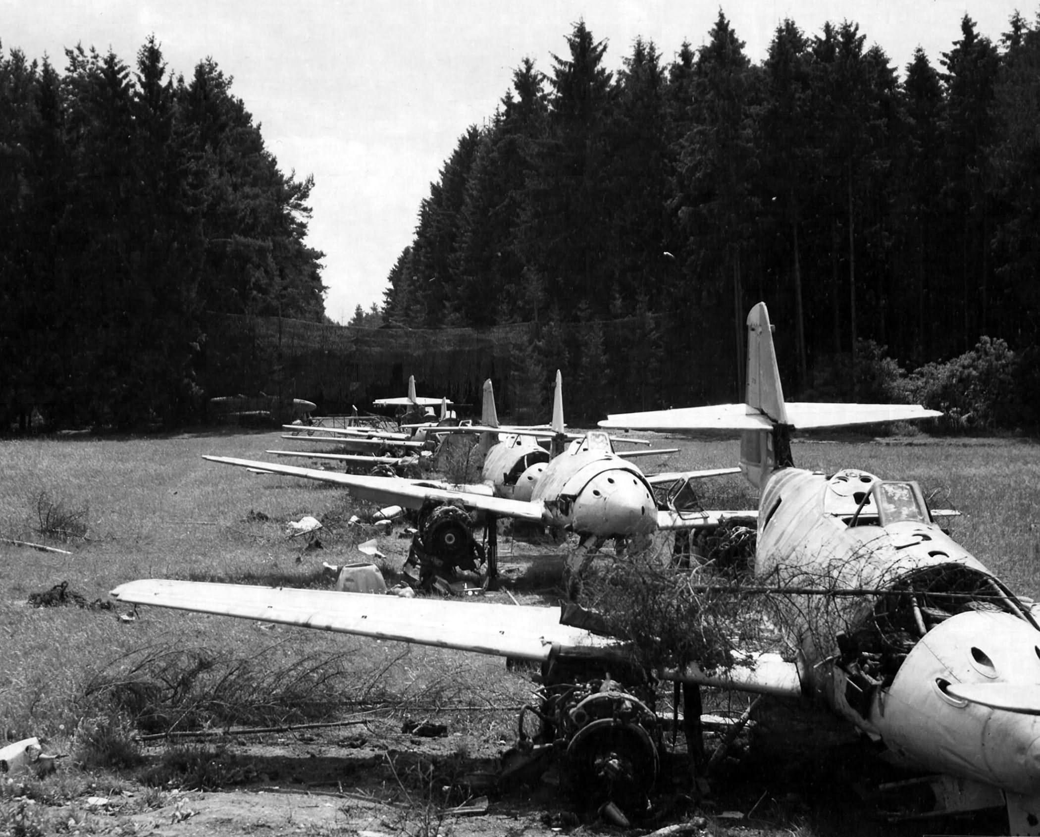 Me 262 wrecks 1945