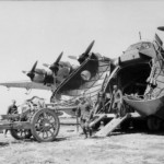 Loading of a leFH 18 onto Me 323, Italy 1942
