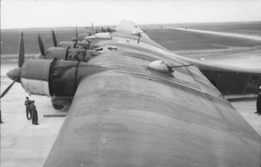 Two wing turrets of Me323