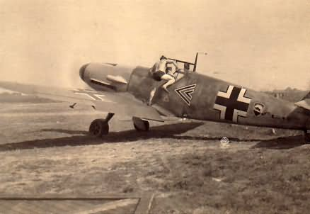 Me 109F from Stab I/JG 52, pilot Karl Heinz Leesmann
