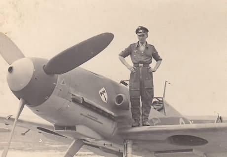 Messerschmitt Me109 F-4 of the 9/JG 3 Ofw Georg Schentke RK Straubing 1942