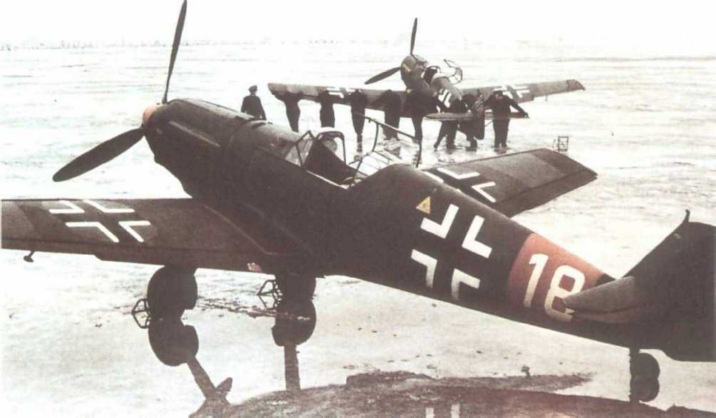 Messerschmitt Bf 109 E white 18 color